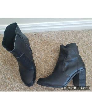 Dr. Scholls black leather boots 6.5